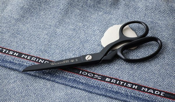 Wilkinson Black 8 inch sidebent scissors